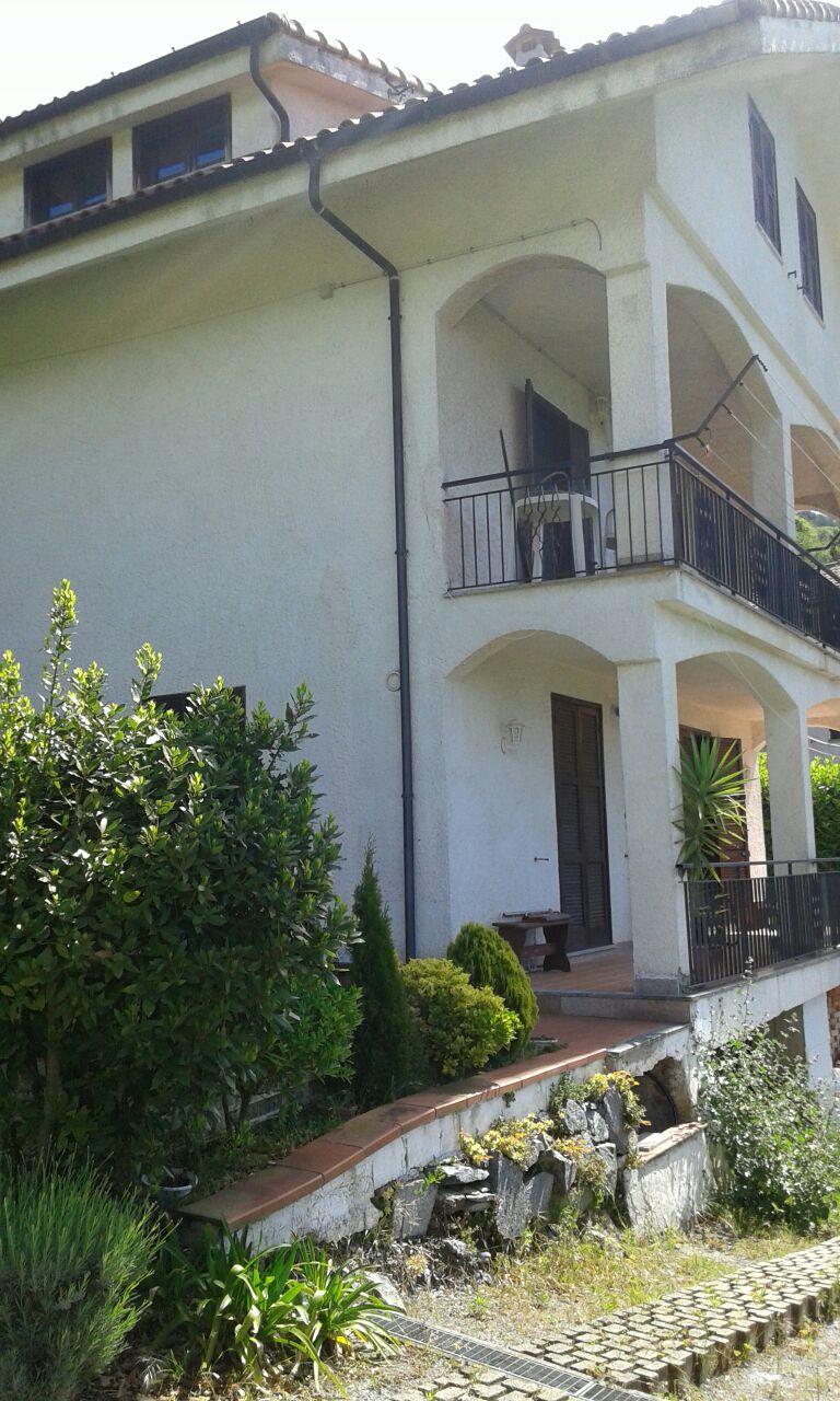 rif. 18 Stella (SV) Villa Bifamigliare