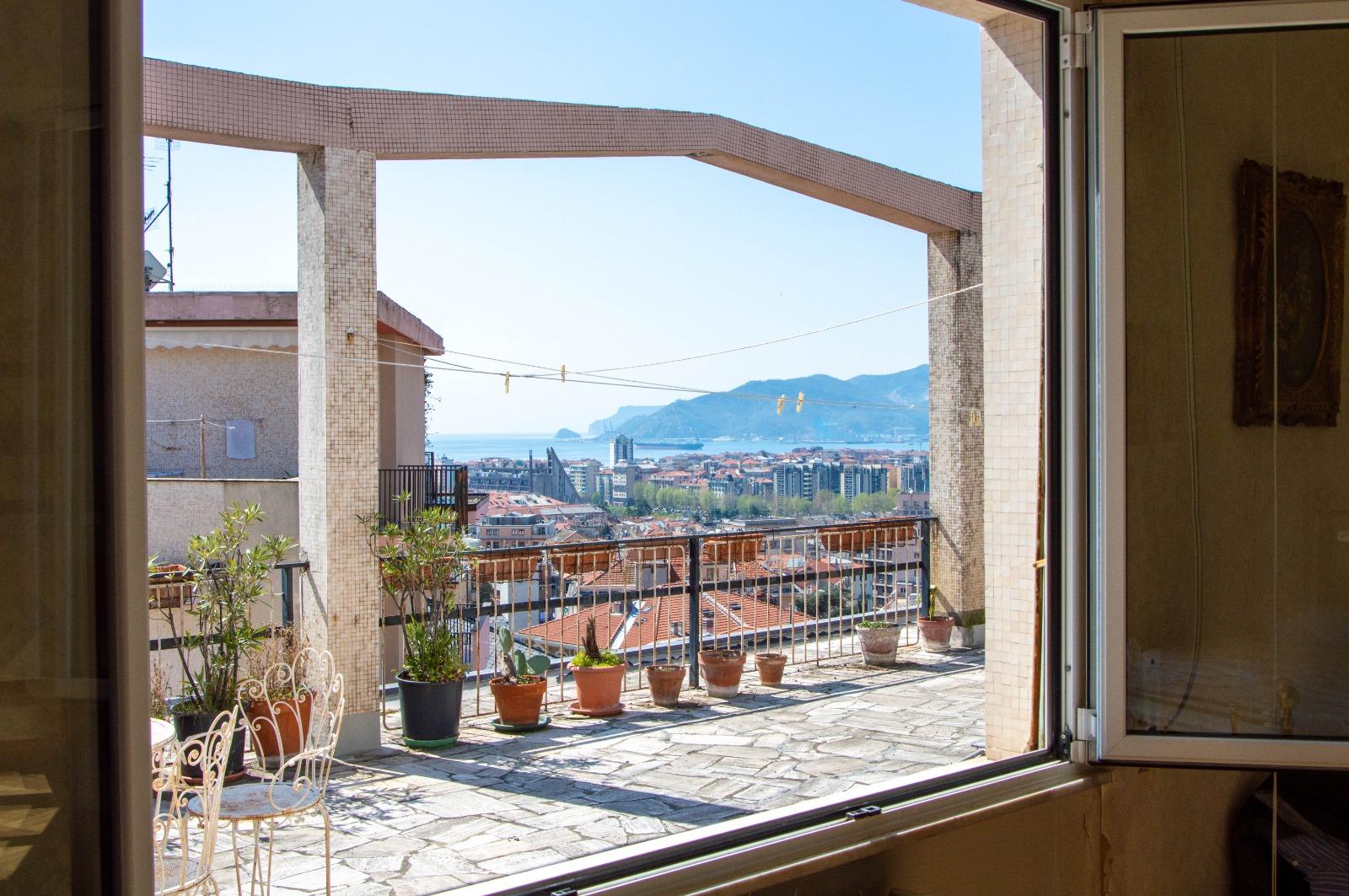rif. 97 Savona zona Villetta ATTICO