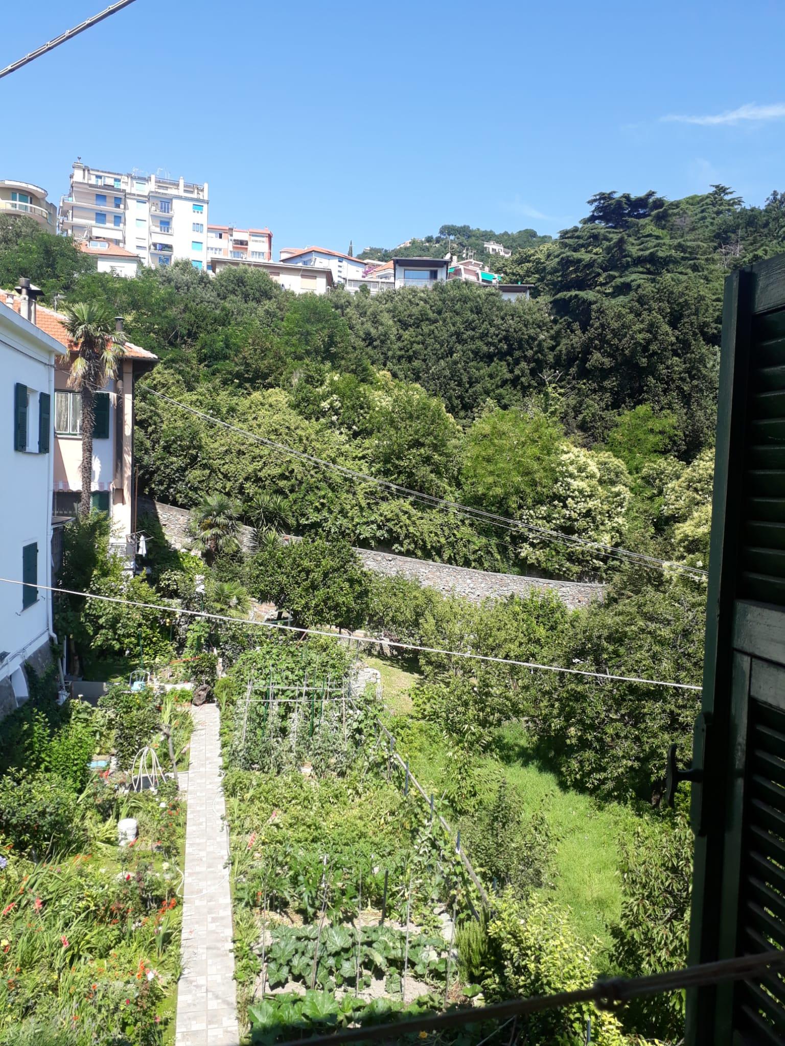 Rif. 95 Albissola Marina(SV) appartamento con giardino